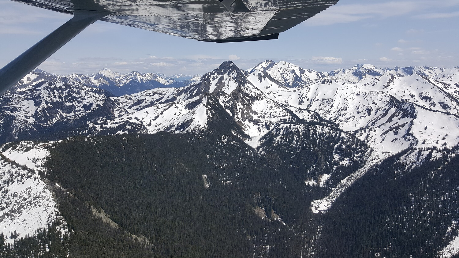 Flying in to Silvertip Lodge